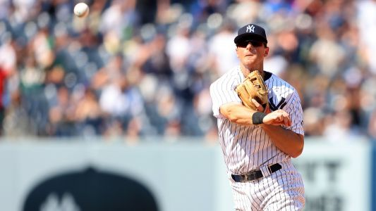 Yankees secure win vs. Athletics with another triple play, tie MLB record