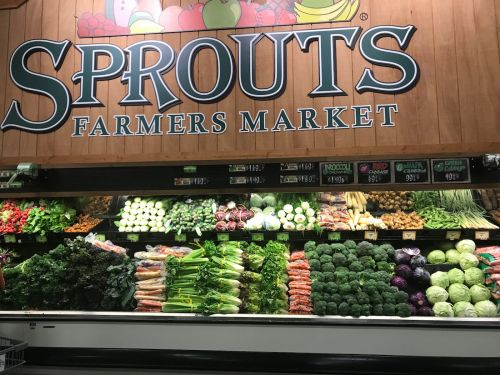 We visited the grocery store chain that's an alternative to Whole Foods - here's why it's better