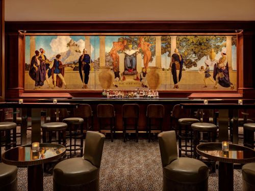 I got a drink at one of NYC's most iconic cocktail bars, which serves a $190 signature cocktail and claims to have invented the Bloody Mary - but its elegant ambience wasn't quite worth the pricey drinks
