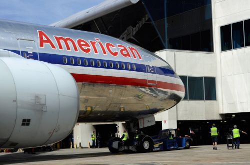 A computer glitch forced American Airlines to cancel hundreds of flights and customers are furious