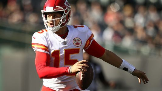 Patrick Mahomes: Chiefs can't make same mistakes against Patriots in rematch