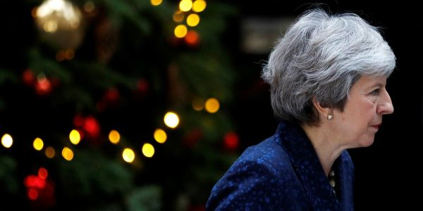Theresa May survives Conservative party vote of no confidence