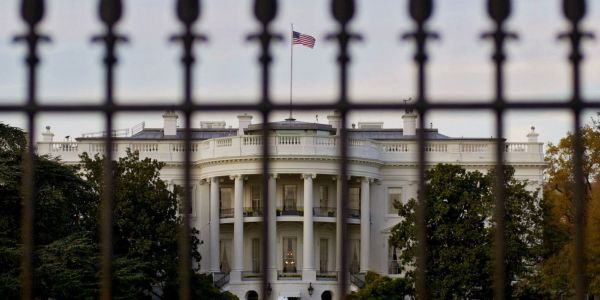A senior White House aide is reportedly sharing fake stories with staffers to identify who's leaking to the press