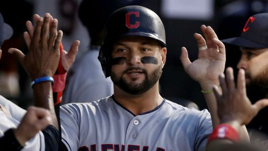 MLB trade rumors: Indians deal first baseman Yonder Alonso to White Sox