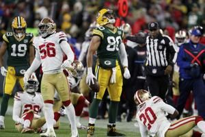 Niners give Packers 2nd chance late after flag on Sherman