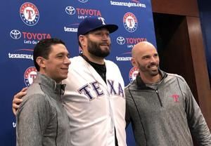 Rangers introduce Lynn, finalize $30M, 3-year deal