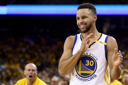 Under Armour's Steph Curry 5s are flying off the shelves - and it's great news for the stock, analyst says