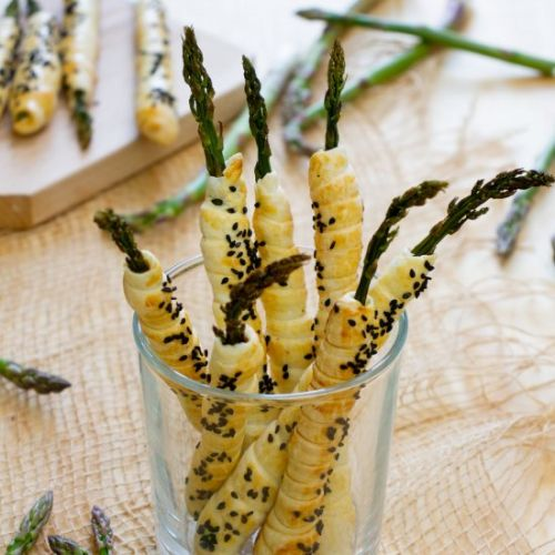 Asparagus in puff pastry