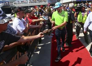 Truex races into 2nd round with win in opening playoff race