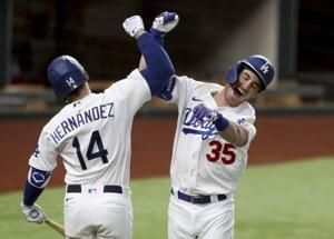 World Series notebook: Ailing CFs ready for Game 1 in Texas