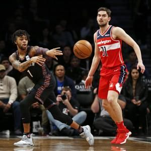 Dinwiddie adds to big week with 27, Nets' win streak at 4
