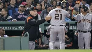 Giants rout Red Sox 11-3, giving Bochy 2,000th win