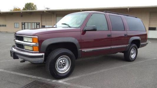 At $2,500, Is This 1999 Chevy Suburban a Bargain Even When Not Considered by Dollar Per Foot?